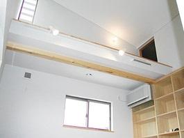 建築家と創り上げた木の温もりに包まれた家12