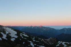 朝日を浴びる剣岳