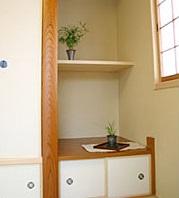 暖かい光が差し込むガラスブロックのアクセントを楽しむ家12