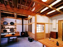 陶芸のアトリエに薪ストーブのある家09